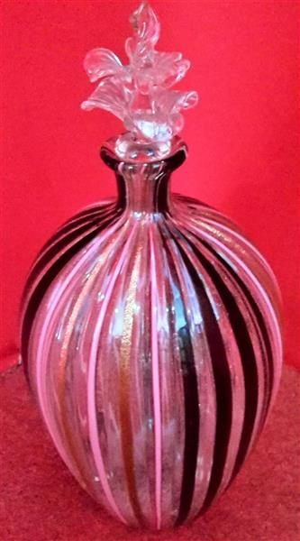 Blown glass bottle with cap