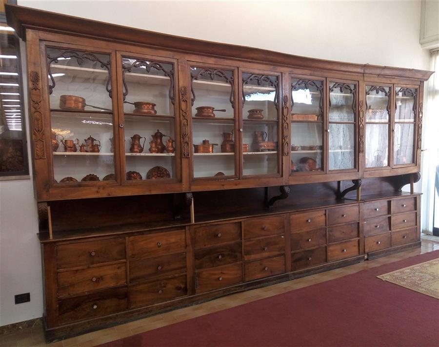 Credenza Da Farmacia : Coppia di mobili da farmacia con vetri e cassetti metà 800 rasolo