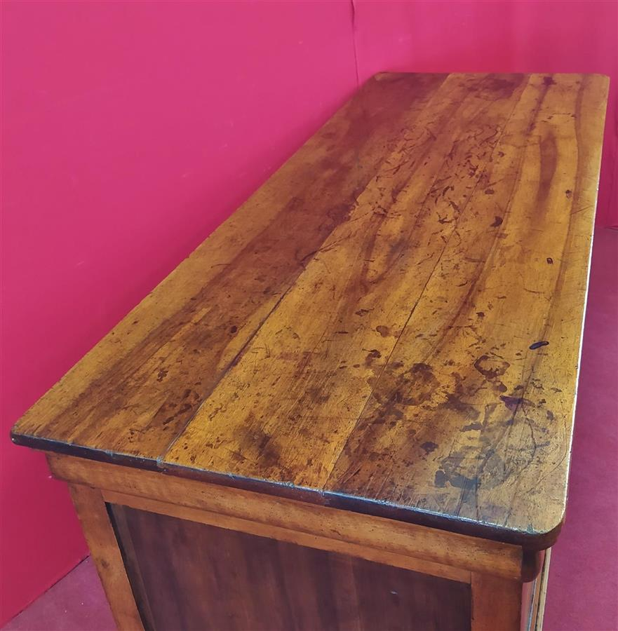 Light walnut counter