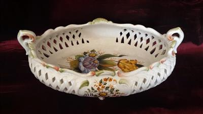 Small basket in Italian ceramics, hand-painted